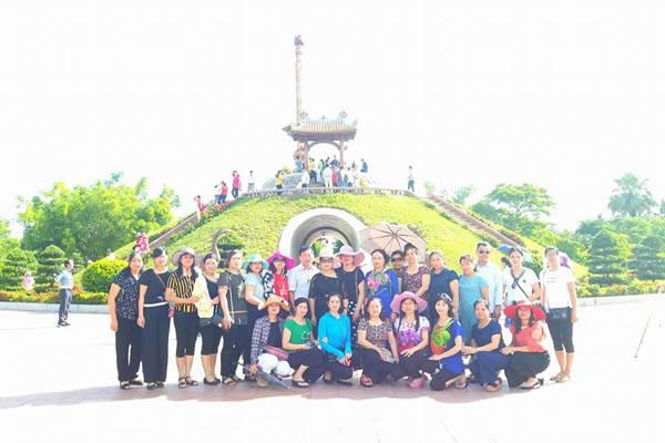 Thành cổ Quảng Trị (là một nơi gắn liền với chiến dịch mùa hè 1972).