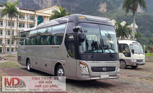 Xe cho khách 16 chỗ đi sân bay Nội Bài