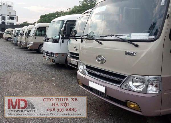 Chuyên cho thuê xe ô tô 29 chỗ Huyndai County phục vụ du lịch Mù Cang Chải giá rẻ