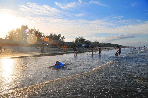 Khung cảnh đẹp trên bãi biển Hải Hòa