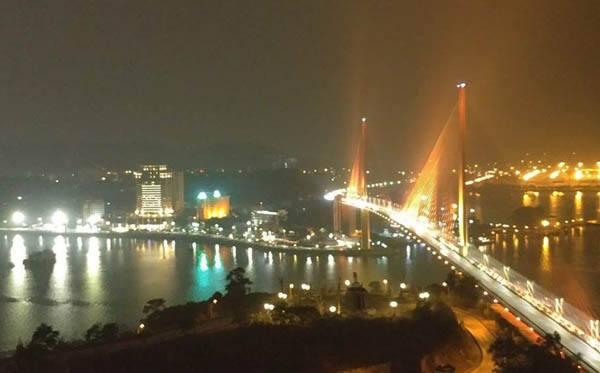 Khung cảnh Quảng Ninh về đêm
