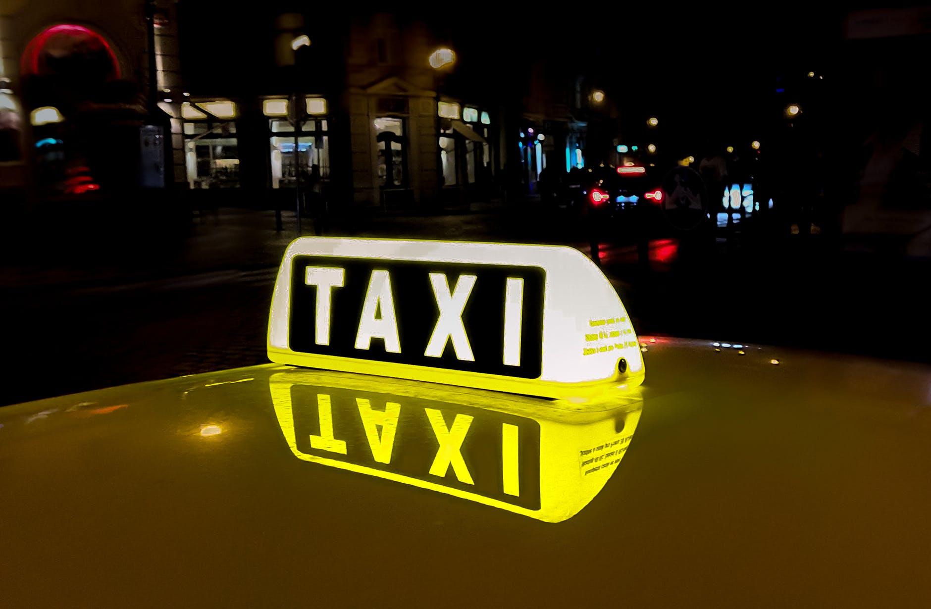 Xe taxi 7 chỗ đường dài