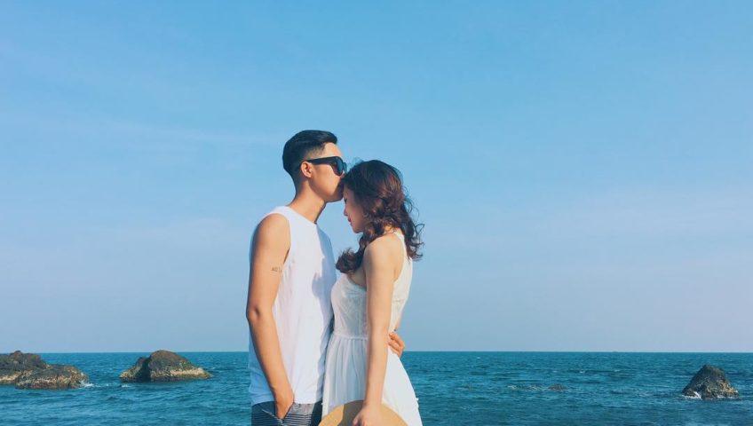 Cầu hôn trên bãi biển thơ mộng