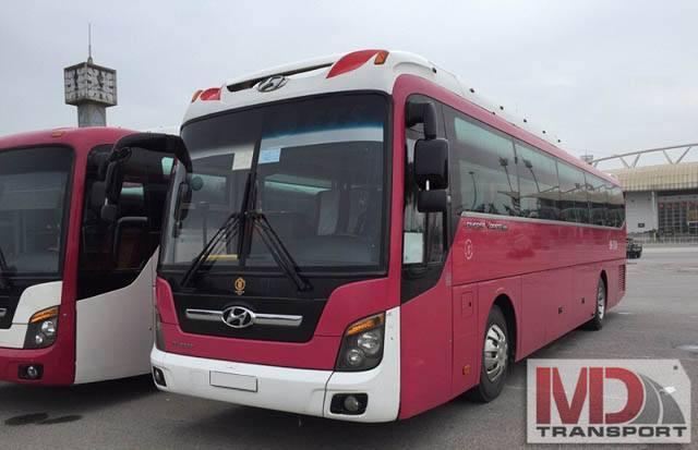 Xe du lịch Huyndai Aero Town tại Nhà xe Minh Đức