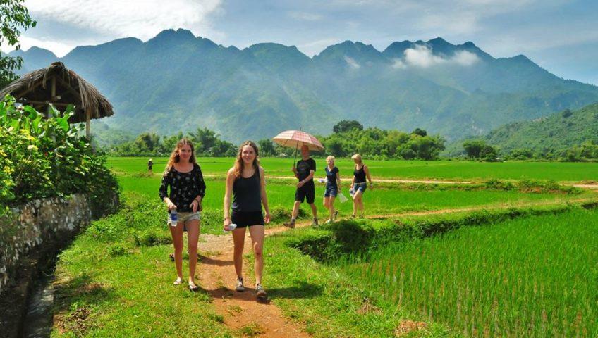 Thuê xe du lịch Mai Châu Hòa Bình
