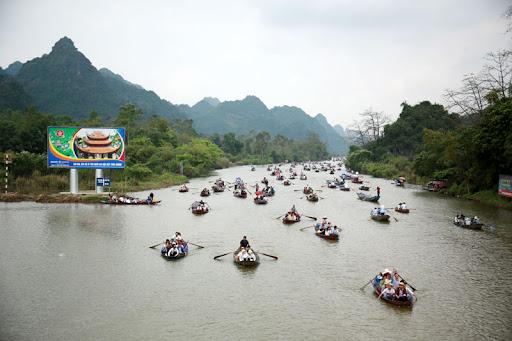 Danh lam thắng cảnh chùa Hương